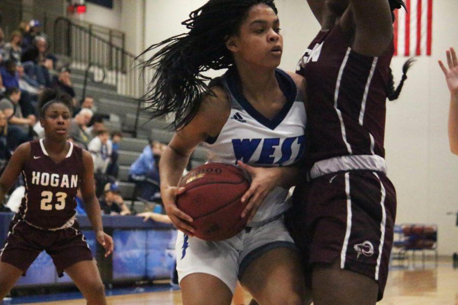 Girls Basketball on Four Game Winning Streak