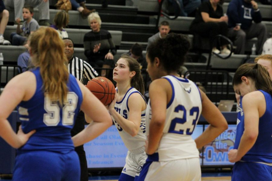 Junior Bailey Collar shoots a free throw in the second quarter.