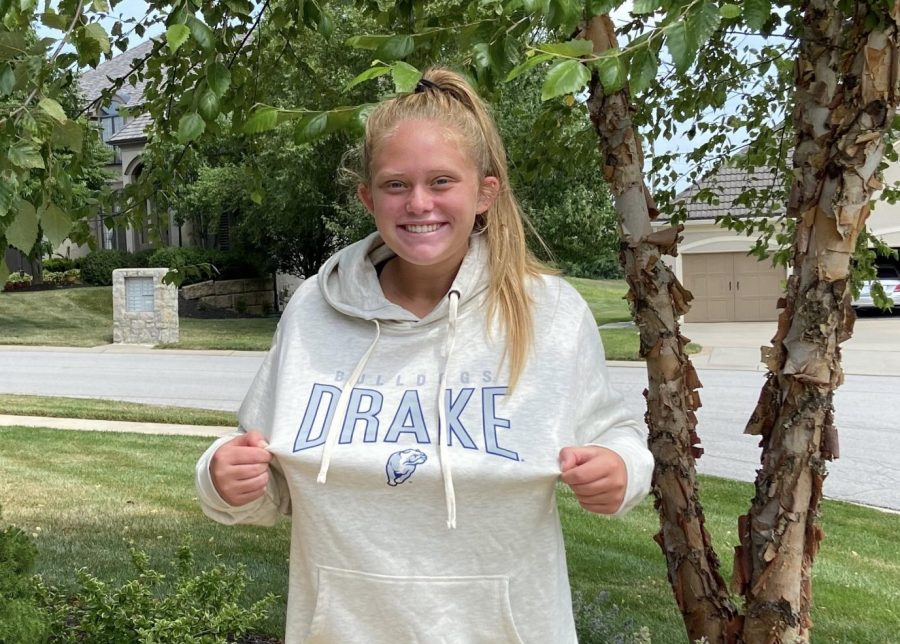Kendall Starcevich commits to Drake University to play soccer.