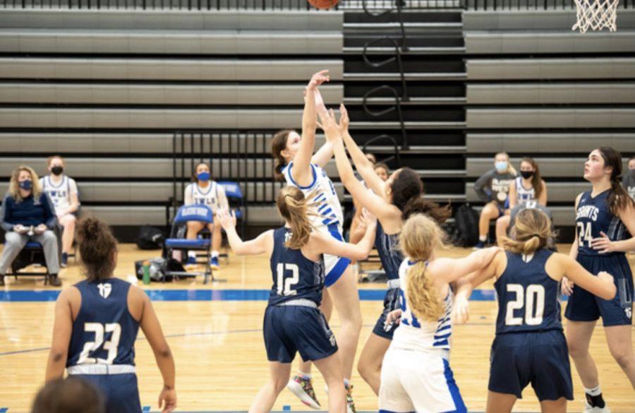 Olathe+West+Girls+Basketball+Heads+to+Sub+State+Tournament