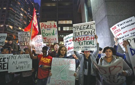 Citizens protest education fees and criticize Universitys